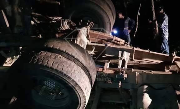 Vuelco de un camión deja una persona fallecida y tres lesionadas en San Fernando