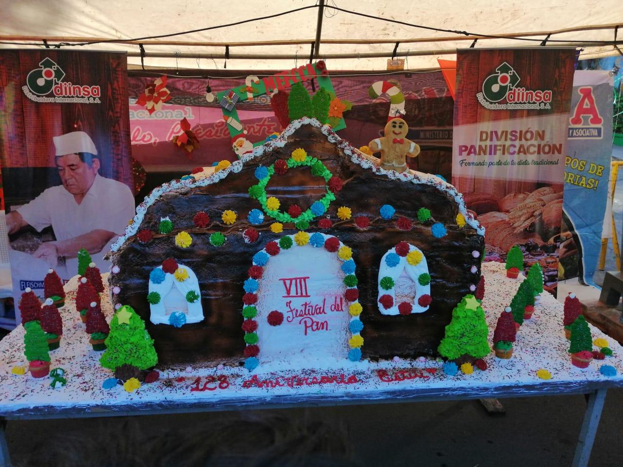 Estelí disfrutó de un pastel gigante en VIII festival del pan.
