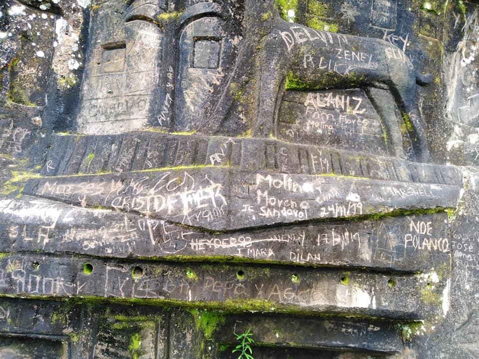 """Rayan esculturas en piedras en """"El Jalacate"""" Tisey Estelí."""