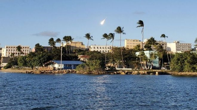 """Una """"inmensa bola de fuego"""" recorrió el cielo de Puerto Rico."""