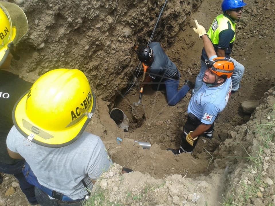 Muere obrero de la construcción tras quedar soterrado en una zanja en Estelí