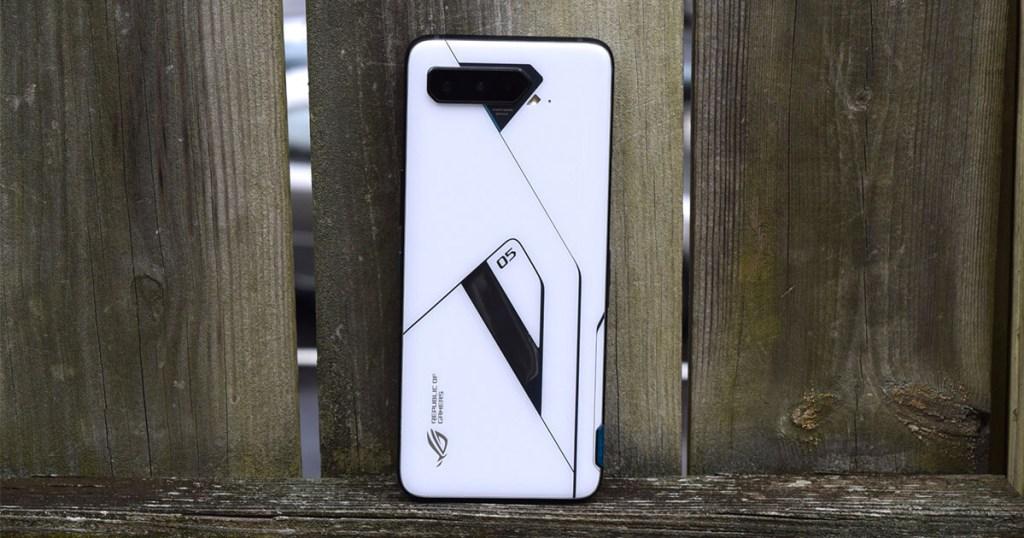 Asus ROG Phone 5 Ultimate white