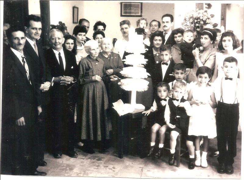 La imagen tiene un atributo ALT vacío; su nombre de archivo es Parte-de-la-familia-Enciso-Prada-001.jpg