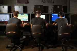 bureau gaming assis debout meilleur