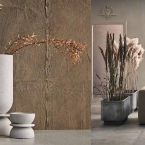 Woonfavorieten; stenen vaas, metalen wandlamp en keramieken zeepschaaltje