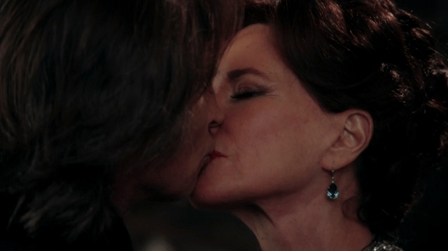 rumpelstiltskin (played by robert carlyle) kiss cora (played by barbara hershey) to seal a deal