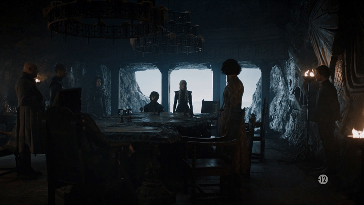 daenerys (played by emilia clarke) meets with her war council