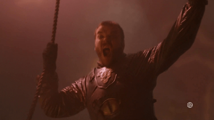 euron greyjoy (played by pilou asbæk) screams as he leap from his boat