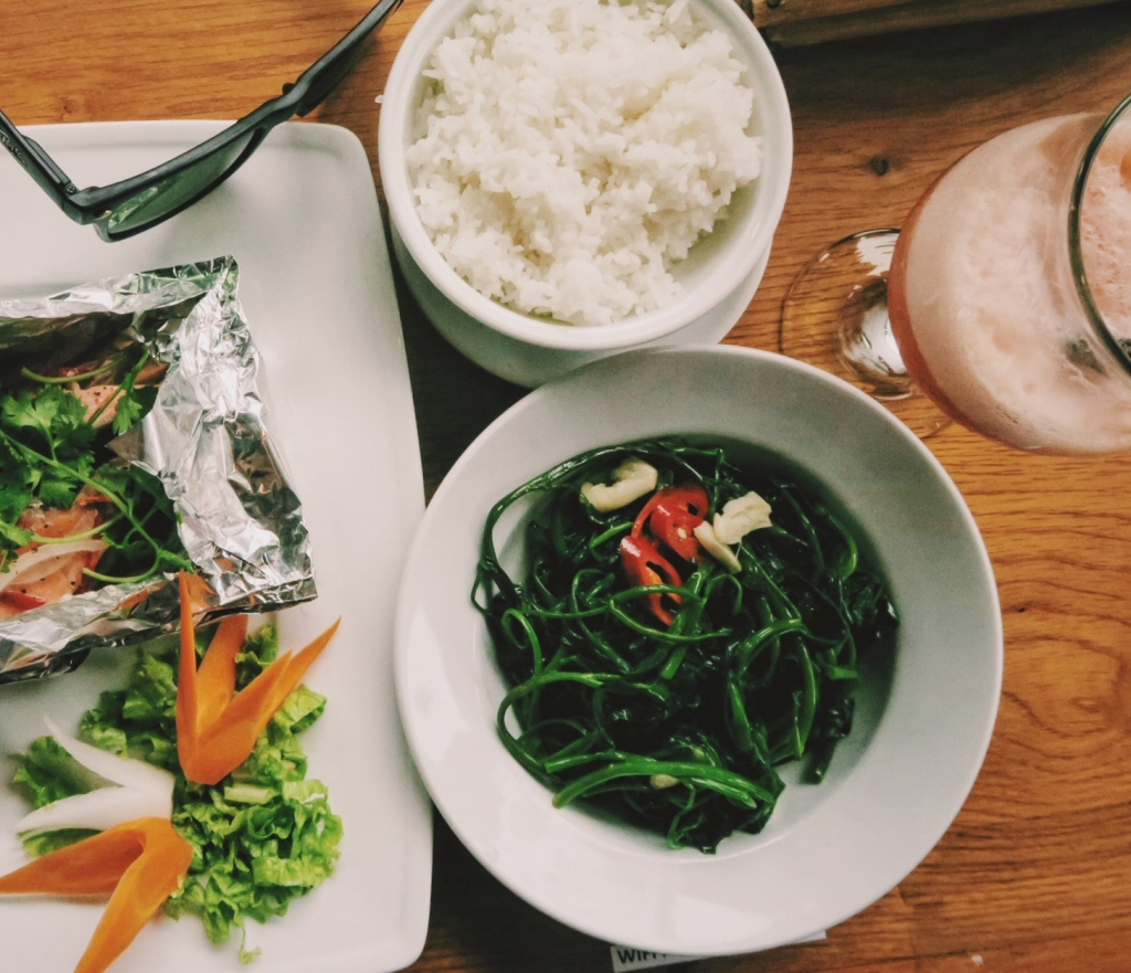 Vietnamese Stir-fried morning glory (Rau Muong Xao Toi)