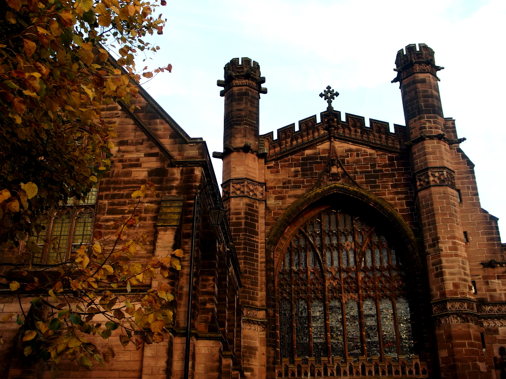 Chester, England for Autumn Travel by Llamateurs (blogger)