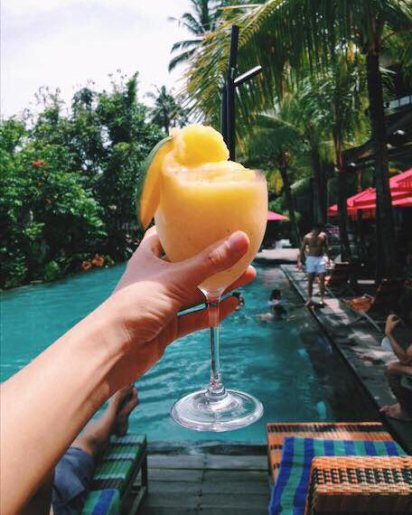 Jungle Fish Pool Bar Drinks: Mango mint spiced daiquiri