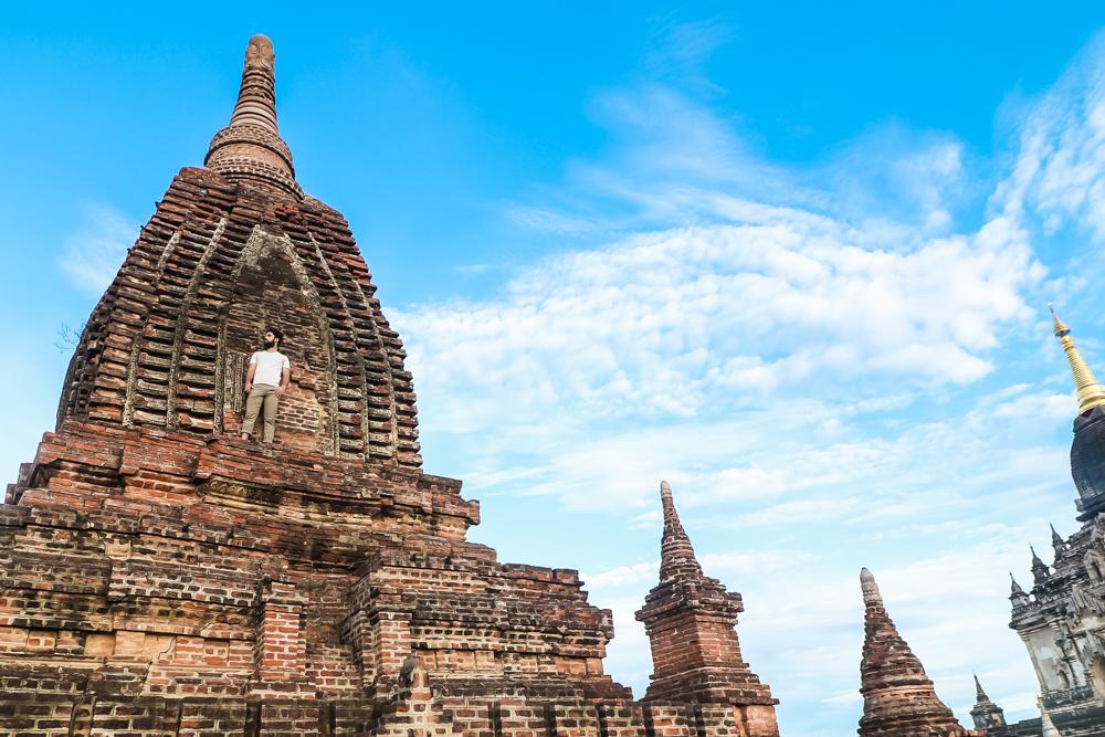 Best travel clothes for Myanmar for men