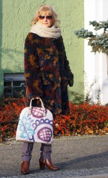 Kolorowe futerka - coś ciepłego na zimę