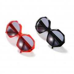 Solglasögon, 325 Euro