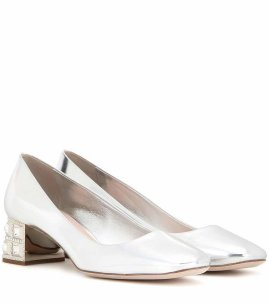Miu-Miu-Embellished-Metallic-Leather-Pumps-885