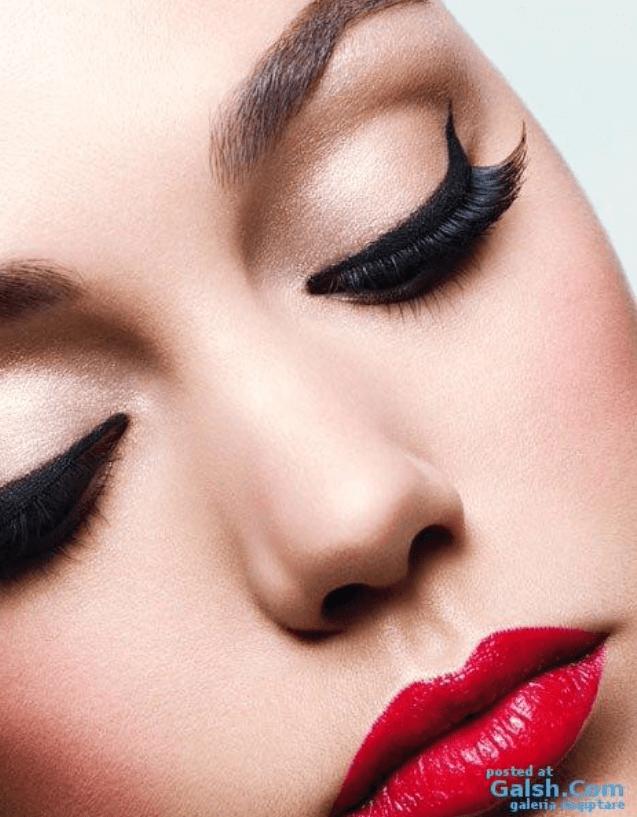 Makeup i rätt ordning, och den åldrande kroppen