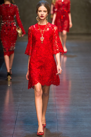 dolce-and-gabbana-fall-2013-lace-dress-profile