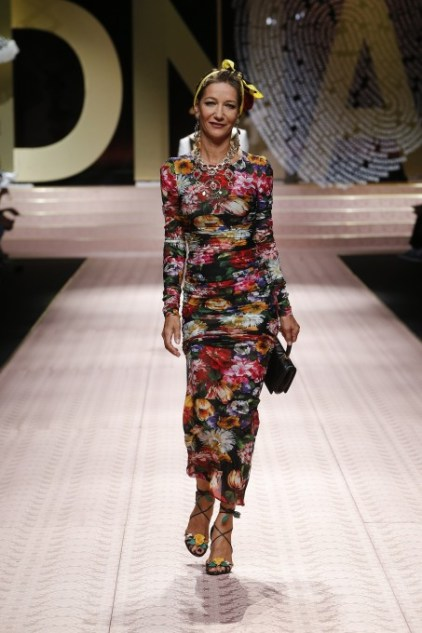 dolce-and-gabbana-summer-2019-women-fashion-show-runway-38-453x680