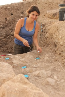 Francesca Mancossi (our chipped stone tool specialist) excavating, Area E 2013