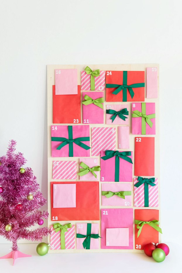 Over 20 creative homemadeadvent calendarideas to help children count down the days until Christmas! From simple paper advents to candy tins, there's something for everyone.
