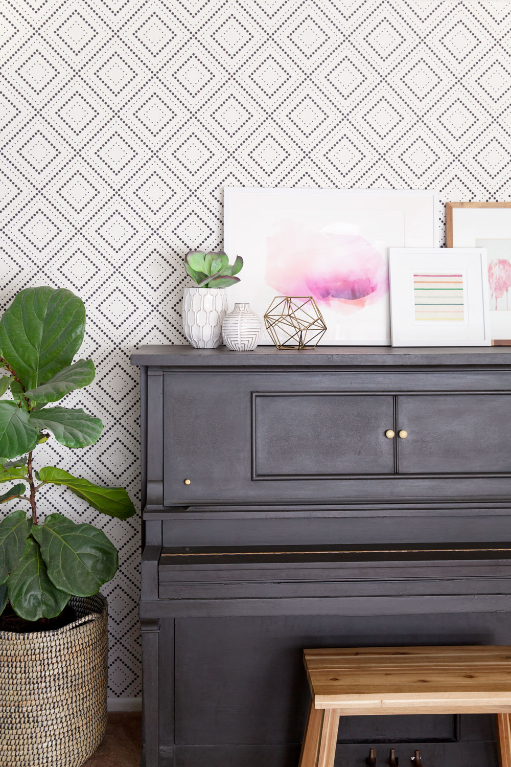 HOW TO TRANSFORM A ROOM USING REMOVABLE WALLPAPER Tell