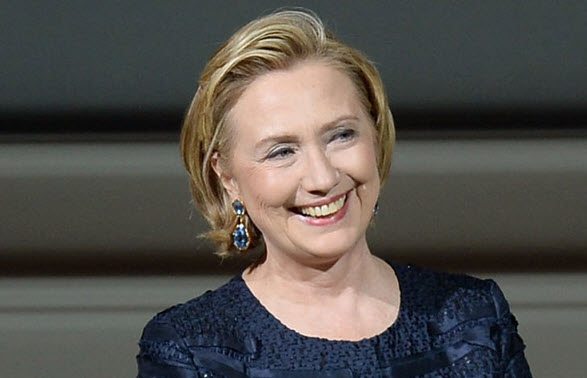 Hillary Clinton Rebuffs 'Ahmed' Anti-Muslim Bigotry With Superb Tweet