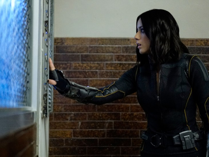 "MARVEL'S AGENTS OF S.H.I.E.L.D. - ""Lockup"" - As Robbie Reyes struggles to control The Ghost Rider, S.H.I.E.L.D. infiltrates a high-security prison to unravel the secrets that haunt them all, on ""Marvel's Agents of S.H.I.E.L.D.,"" TUESDAY, OCTOBER 25 (10:00-11:00 p.m. EDT), on the ABC Television Network. (ABC/Jennifer Clasen)"