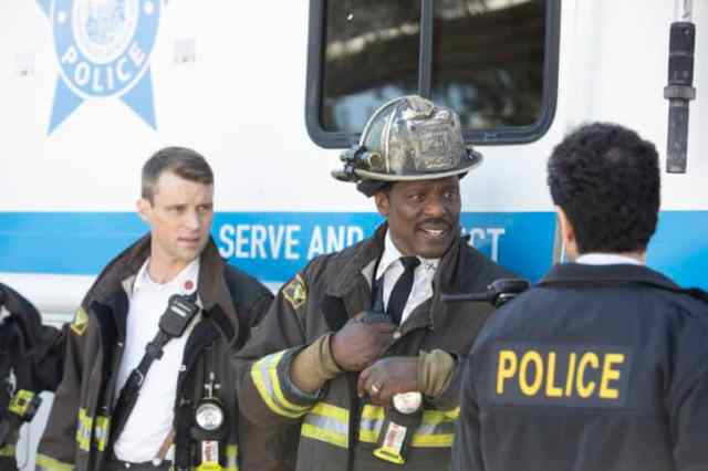 """NUP 189007 0198 730x487 - Chicago Fire (S08E07-08) """"Welcome to Crazytown""""/""""Seeing Is Believing"""""""