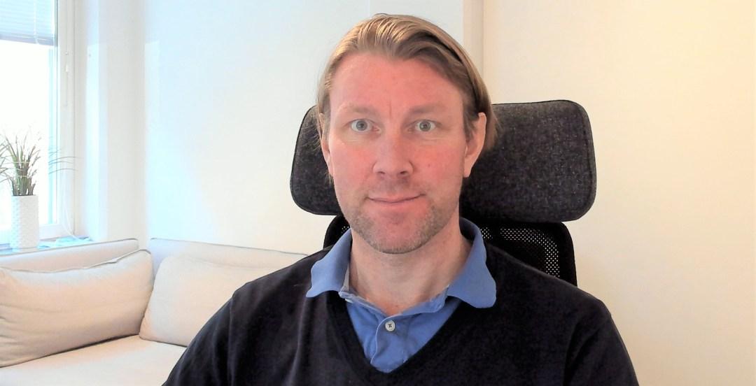 Porträtt av Niklas Hedborg på företaget God Assistans som själv kopplade elektronisk signering till företagets arbetsflöde.