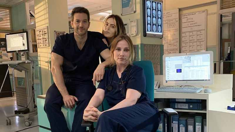 Patsy Kensit and Luke Roberts holby city
