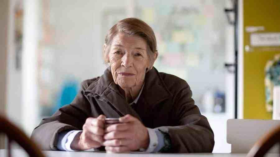 Elizabeth Is Missing Glenda Jackson