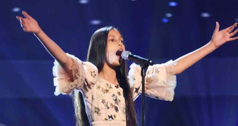 T'mya performs