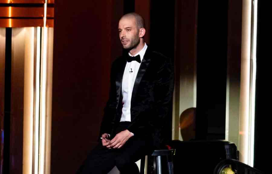 Darcy Oake.