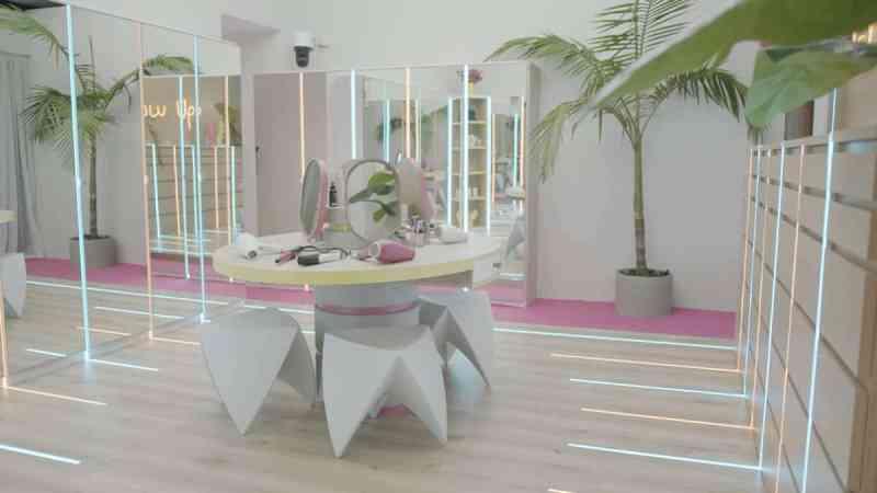 Casa Amor: The girl's dressing room.