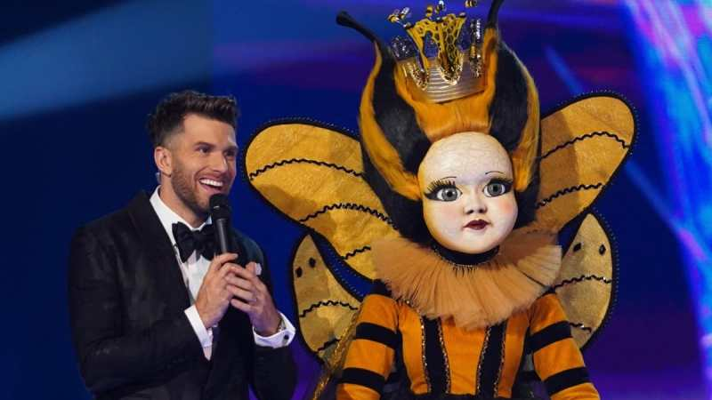 Joel Dommett and Queen Bee.