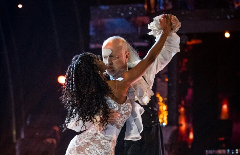 Oti Mabuse, Bill Bailey - (C) BBC - Photographer: Guy Levy