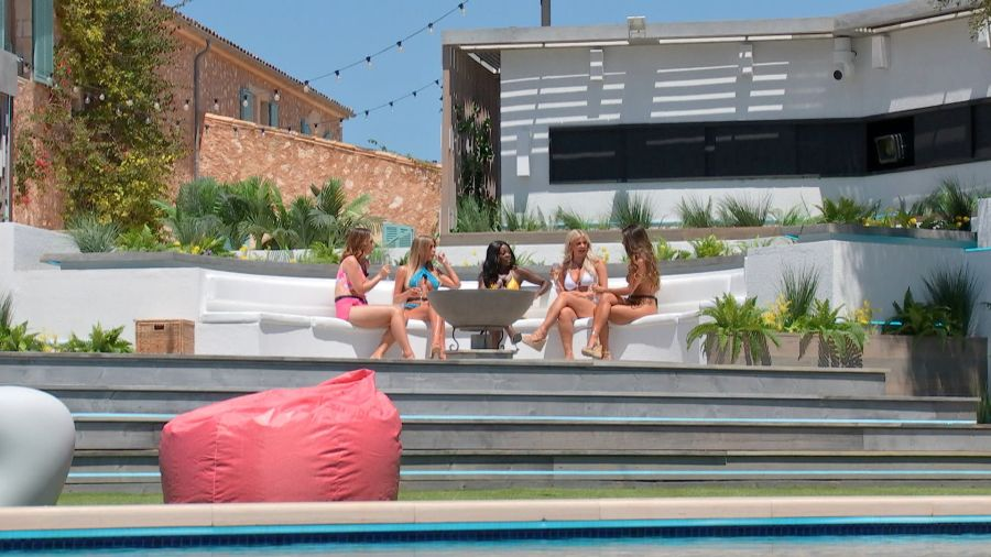 Love Island: The girls arrive at the Villa. Picture: ITV