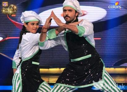 Ashish dons the hat of a chef during his dance sequence