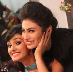 Shakti and Mouni - best of friends on Jhalak
