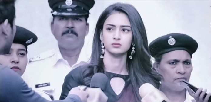 Anurag Prerna to trick Komolika. Prerna expects Anurag to help her out and save her from the police, since Komolika is framing her once again. She hopes that Anurag sticks to the truth and doesn't change this time. Anurag admits that Prerna is his life and asks inspector not to arrest her. Prerna gets glad that the human in him is still alive. Komolika loses her cool on seeing Anurag supporting Prern