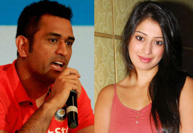 Laxmi Raai Gives Clarity About Her Relationship With MS Dhoni