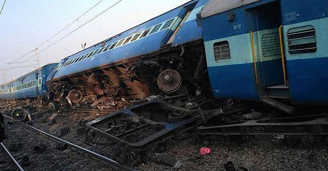 13 Coaches of Vasco De Gama Patna Express derailed | 3 Dead and over 100 Injured