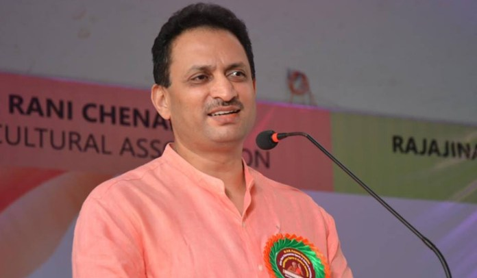Fadnavis was Maharashtra CM for 80 hours to divert Rs 40,000 crore central funds: Anantkumar Hedge