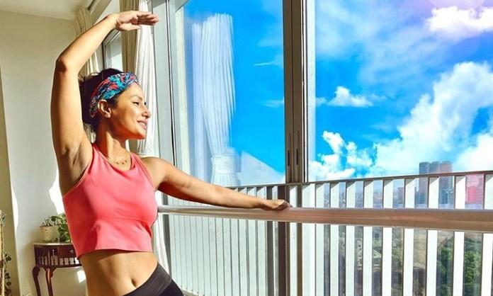 Hina Khan's 'rainy workout' session