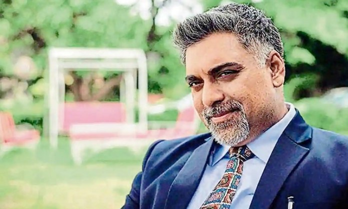 Ram Kapoor goes on a bike ride after three months