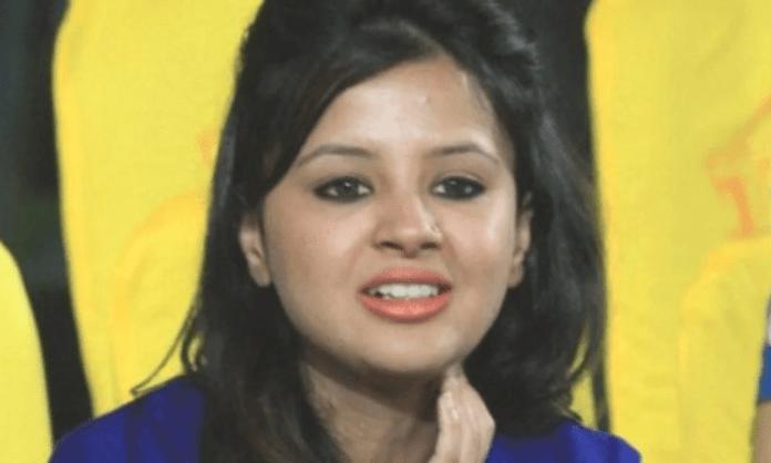 Must've held back tears for the goodbye: Sakshi tells Dhoni