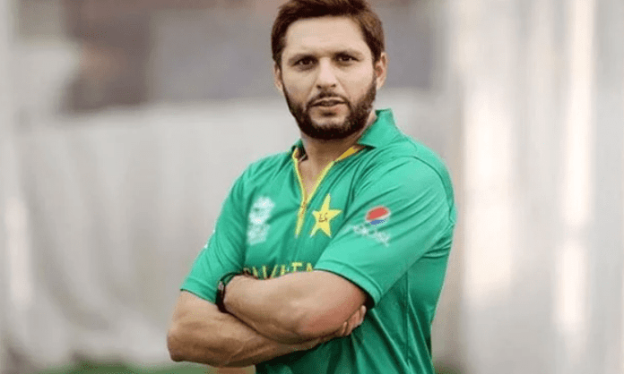 Shahid Afridi dazzles in Lanka Premier League game