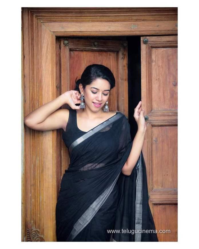 Mirnalini Ravi - Photos