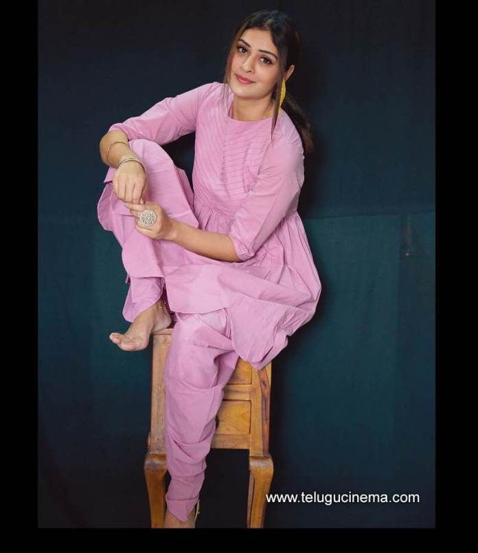 Paayal says she's Pinkaholic