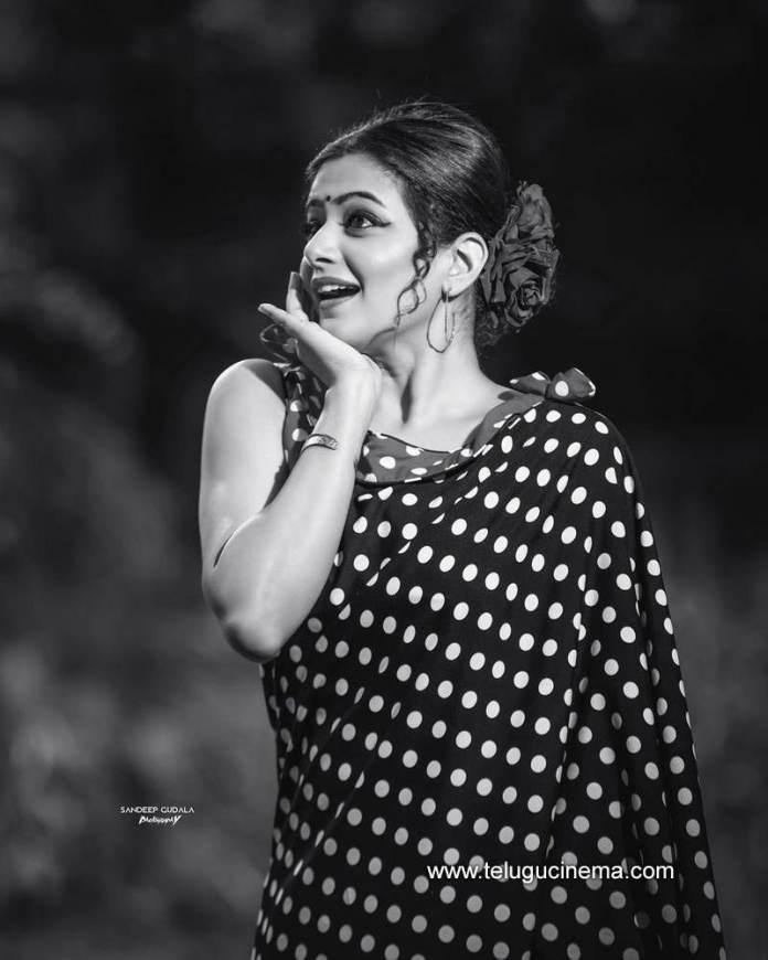Priya Mani in a polka-dotted Saree